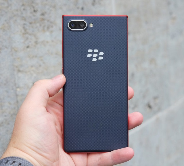 BlackBerry_KEY2_LE_official.jpg