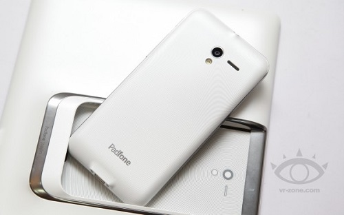 ASUS__Padfone_2_white_3